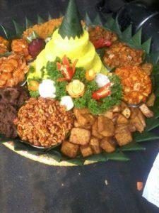 Pesan Nasi Tumpeng Kuning Di Jakarta Pusat