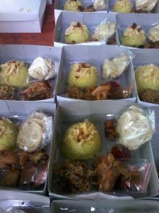 Pesan Nasi Box di Gatot Subroto